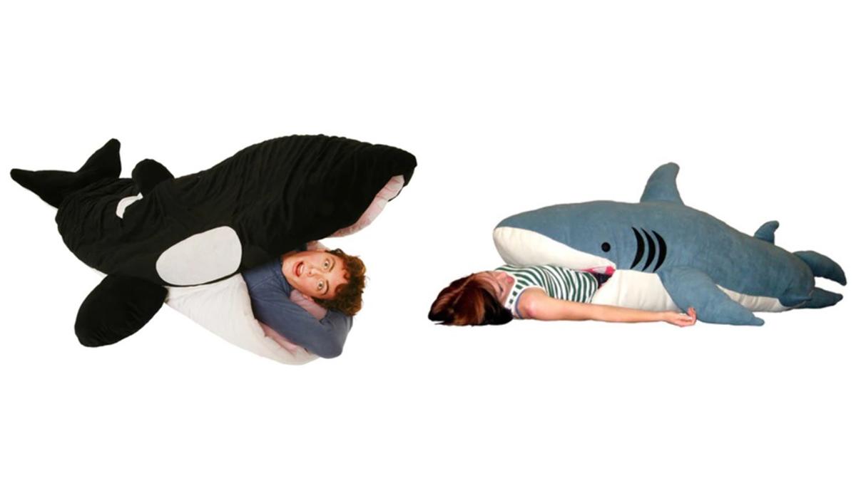 要被吃下肚啦~超巨大「鯊魚睡袋」整個人躺進去也OK,冬天有這一隻就不怕冷了♡