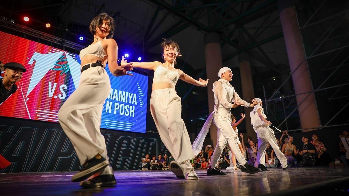要練!就去板橋捷運站練!北台灣最炸最熱血的街舞場地在新北,居然還有實境秀節目可以看!