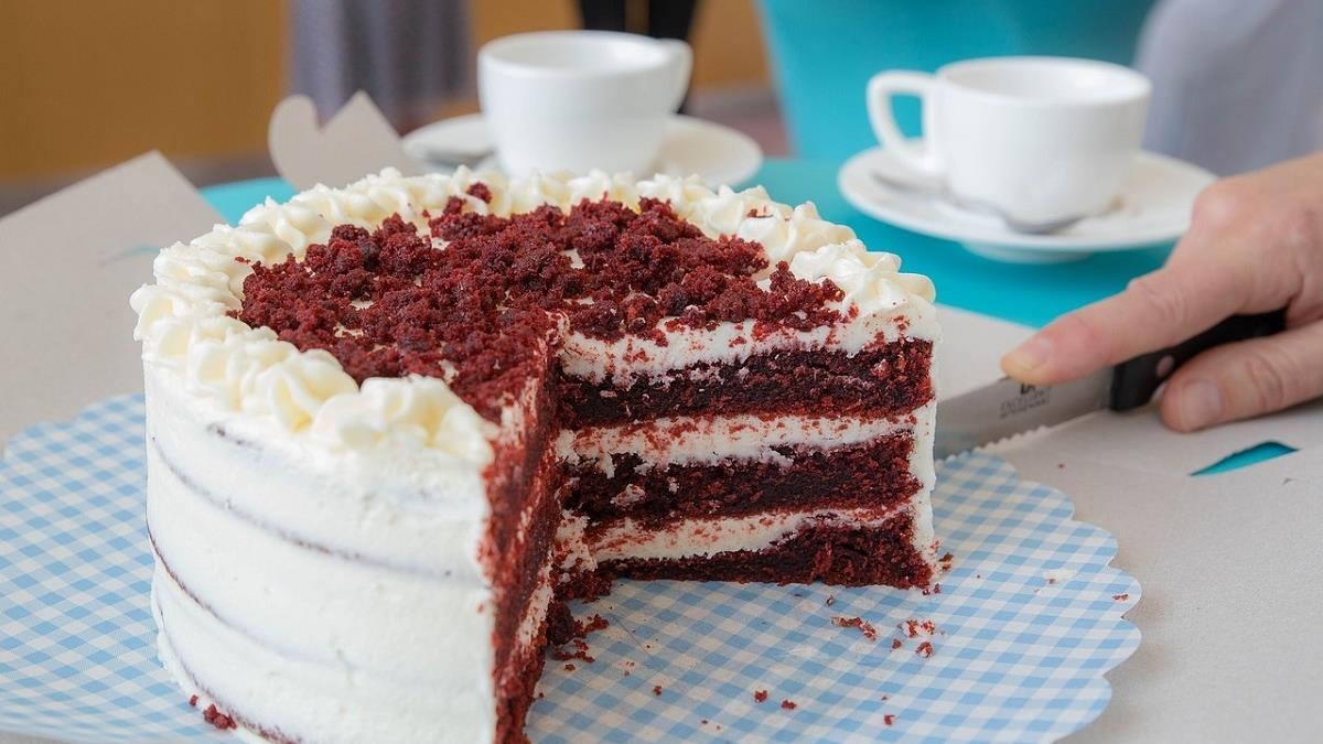 飯店大廚都是這樣切蛋糕,趕快學起來!