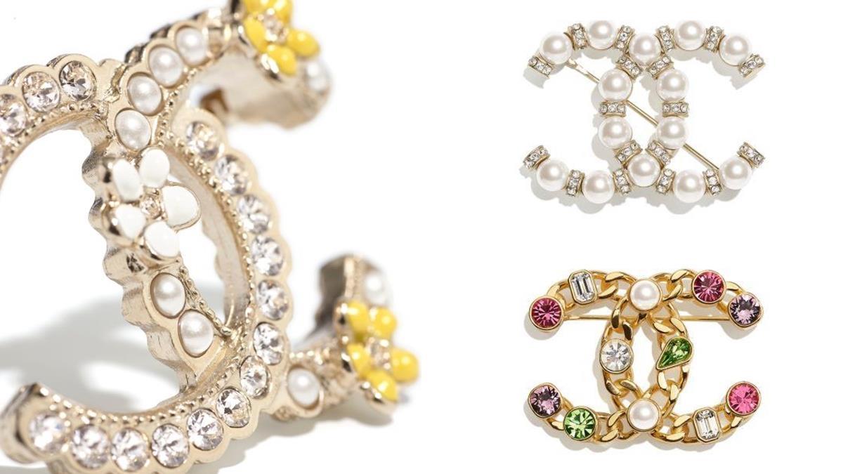 買不起小香包包沒關係!10款Chanel胸針推薦 ,CC Logo讓你秒變時尚部落客!