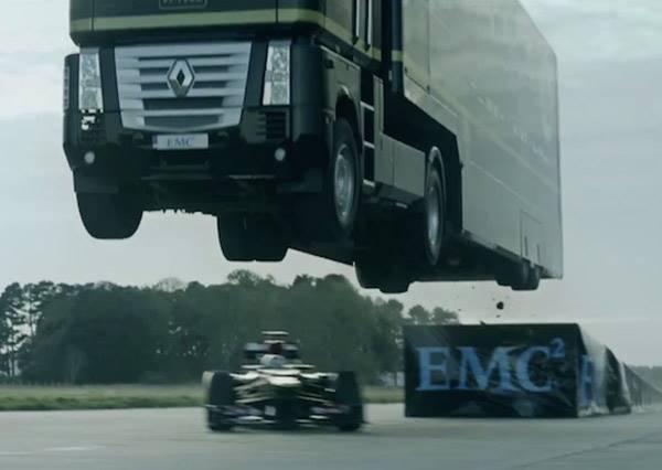 16噸大卡車也想玩特技?24秒那剎那,我真的倒吸一口氣了!