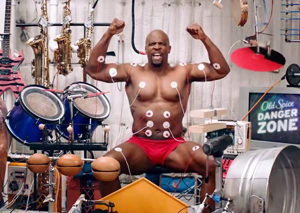 他擺出這個POSE不是炫耀肌肉,而是表演神乎其技的一人肌肉大樂隊!?!
