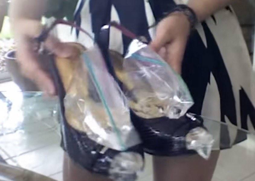 沒人知道她為什麼要把裝水塑膠袋放進新鞋裡,但原因公布後,我決定回家馬上學著做!