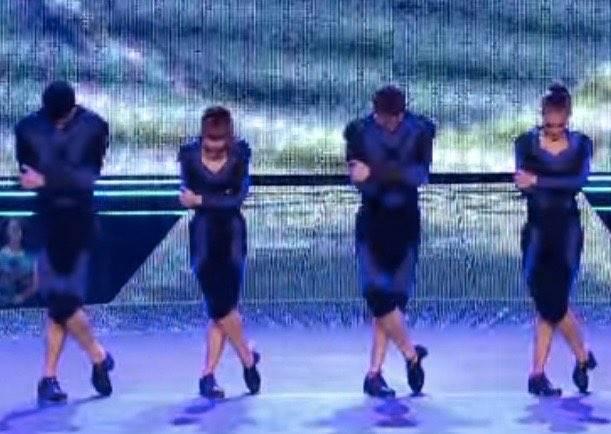 在這個跳舞比賽中沒人看好踢踏舞團,但表演開始後全場就high到尖叫聲四起!