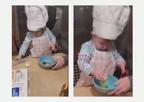 爸媽拿雞蛋給16月大的女兒玩家家酒,結果小女童證明她廚藝已經比很多大人還厲害!