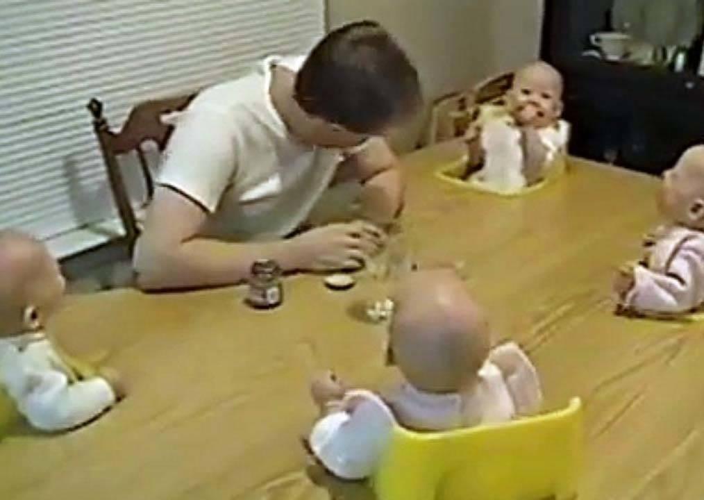 大韓民國萬歲都輸了!四胞胎默契好到連笑聲都神同步