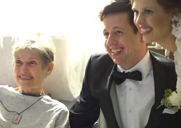 新人結婚當天不在教堂,反而跑去醫院給重病奶奶一個超大驚喜!