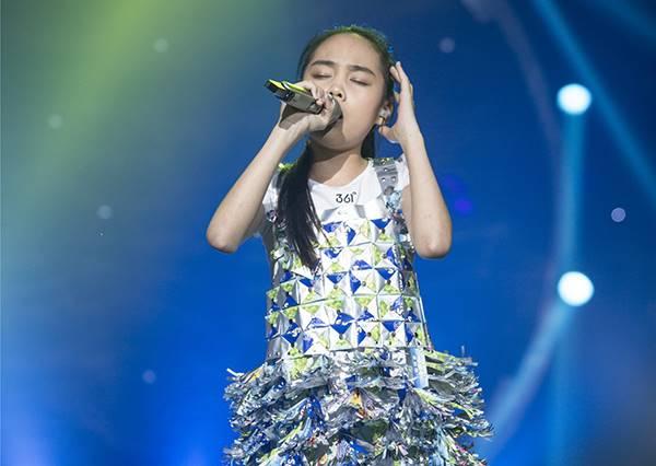 11歲小妹妹超齡演唱《酒矸倘賣無》,才開口20秒就讓曹格震撼到不敢闔眼!