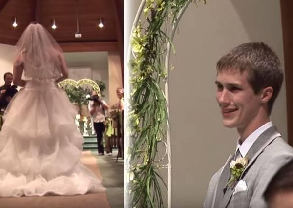 這位新娘出場時用她超強「專長」做了一件事,讓新郎感動到從頭哭到尾