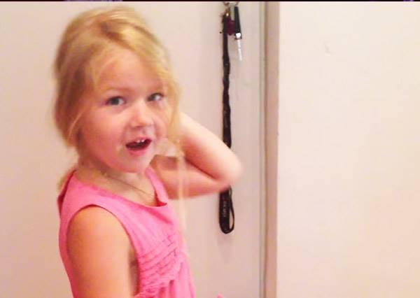 老爸的懶人育兒術:用吸塵器5秒滿足女兒需求!