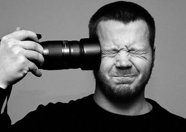 只是找來一位教官,攝影師訓練營立刻變成爆笑戰爭片?