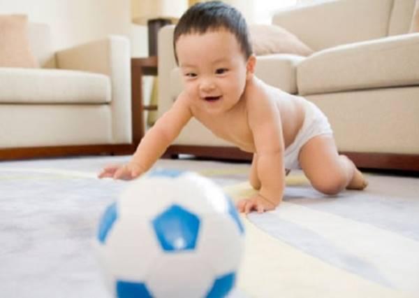 小baby抱怨球球永遠都收不完,看到這隻影片後我們都知道原因了!