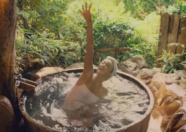 這六個水上芭蕾國家隊代表亂入溫泉,同池大叔們的表情太經典了!