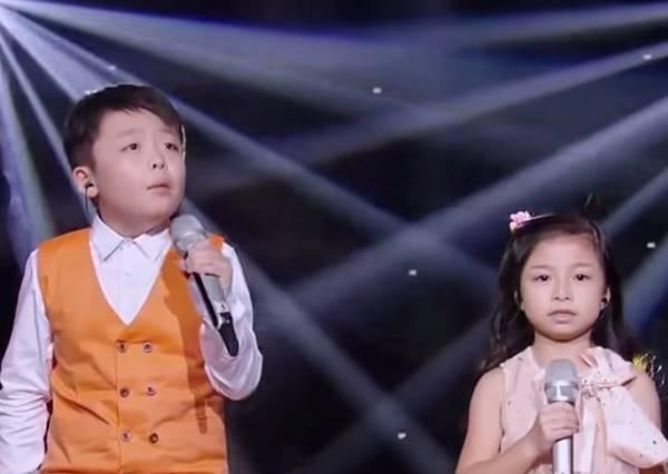 這兩個被稱做巨肺的神童合唱《You Raise Me Up》,連國外網友都飆淚!