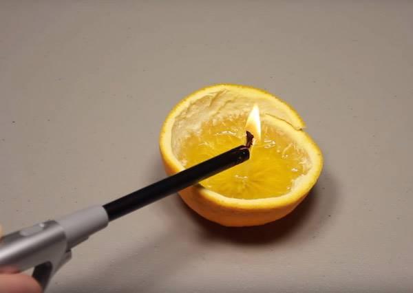 燭光晚餐超easy,這個只花一分鐘做出來的橘子燭燈,又香又能製造100分的氣氛!