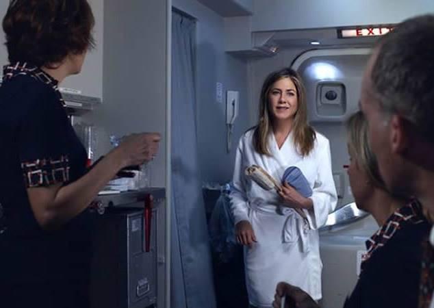 飛機上想洗澡是耍大牌嗎?珍妮佛安妮斯頓告訴你什麼叫super star級的搭機服務!