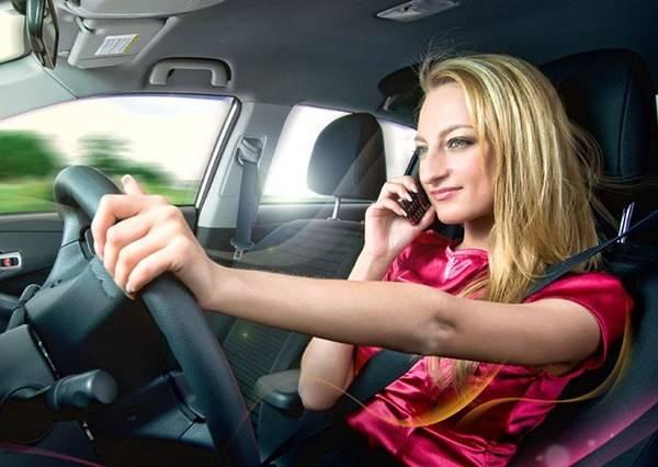 正妹在車裡對嘴歡唱氾濫了,但這部絕對值得花你生命中的60秒來看...