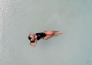 影音/再見了PHOTOSHOP 不經過修飾的泳裝照才是王道!