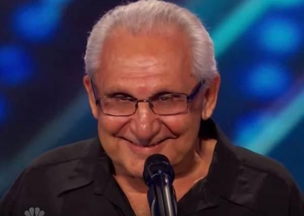 這個老爺爺因為口吃一直不敢追求夢想,直到74歲了,他終於站上舞台!