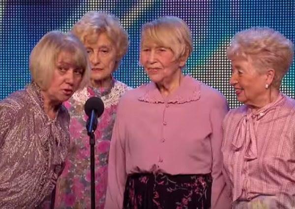 這幾個看似跑錯棚的老奶奶,音樂一下竟然把衣服扯下嚇壞評審,但更精采的還在後面...