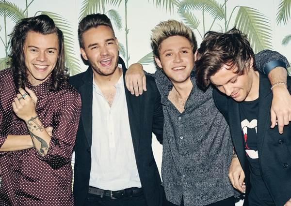 One Direction暫時解散前先回娘家!讓恩師看看他們「PERFECT」演出