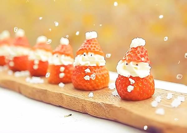 一刀搞定聖誕甜點!《草莓聖誕老公公》可愛到捨不得吃下去~