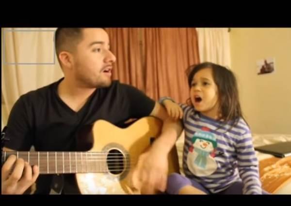 父女翻唱Adele熱門歌曲3000萬網友喊讚,原以為是老爸歌唱技巧有多厲害,等女兒開口才知道最精采就在小蘿莉的表情啊!