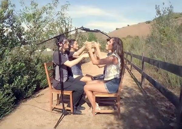 這四個人只是坐著拍手而已,就能唱出千萬點閱率的爆紅影片!