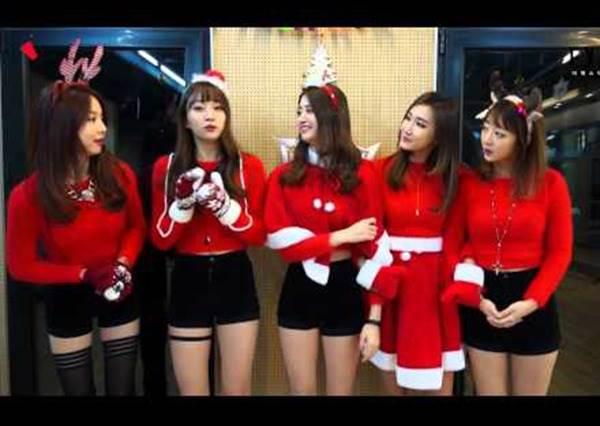 EXID戴頭飾、紅鼻子裝可愛!一跳舞後,網友大喊:這麼性感的聖誕老人哪裡找?