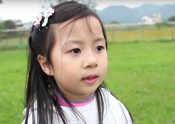「吃到口水你要對我負責」...幼稚園小朋友自己拍愛情警匪影片太有才了!