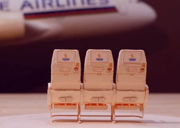 這架花了1000小時打造的「紙飛機」連椅背都能調整,精緻到你絕對捨不得讓它飛出去~
