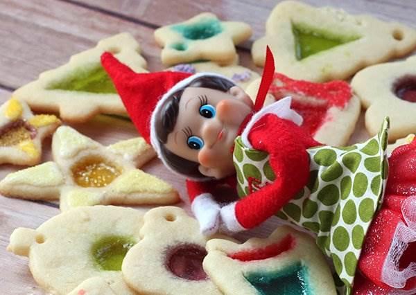 甜點也要走夢幻風,五步驟完成閃閃發光的彩繪玻璃餅乾!
