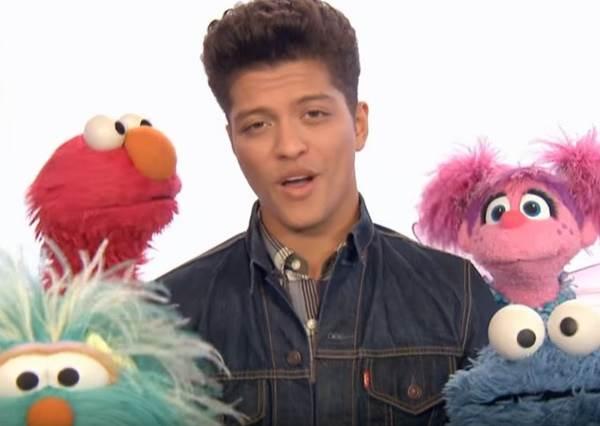 當Bruno Mars亂入《芝麻街》,史上最好聽的卡通歌就這樣誕生了!