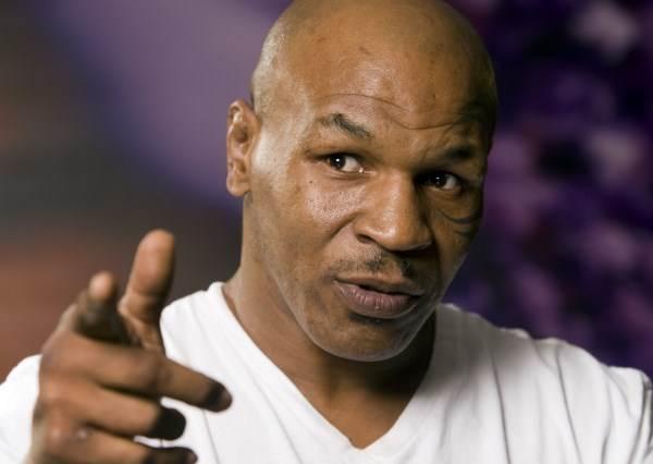 他曾是稱霸全球的世界拳王,這回竟輸給女兒玩具...?