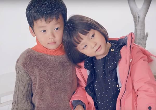 秋小愛和男友攜手上演萌版《冬季戀歌》,大贏還不曾跟別人共用圍巾的姐姐們!