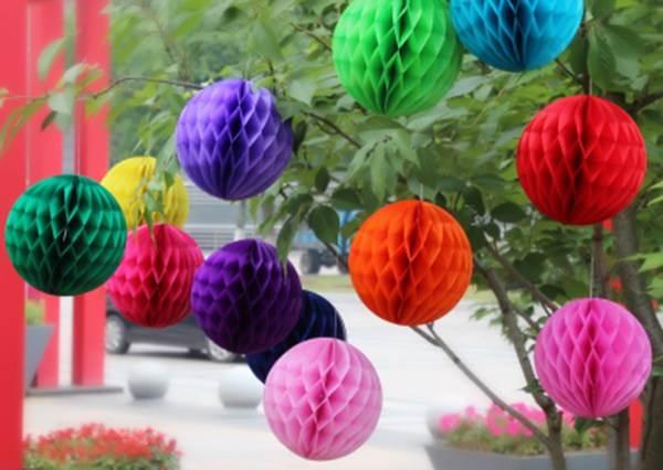 只要你會「黏、剪、縫」就能成功!喜氣洋洋的「絕美紙彩球」也能自己動手做