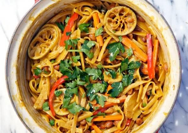初二回娘家!吃點不一樣的泰式鮮蝦義大利麵