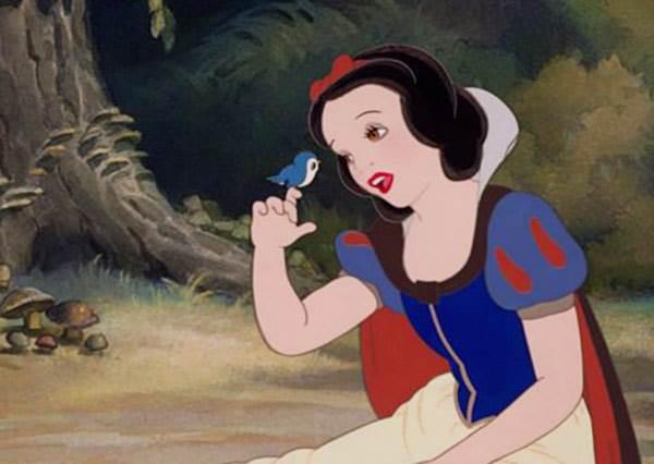 當10位迪士尼公主「母語」重唱主題曲後,你就會再次被洗腦還忍不住跟著唱...