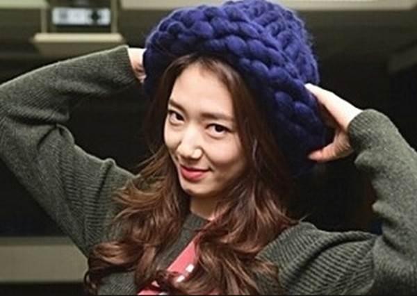連《RM》都在做!紅翻韓國的粗毛線帽DIY,戴上立刻讓臉小一半