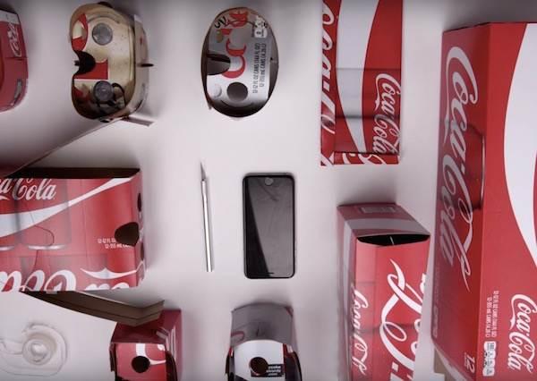 可樂最新推出的包裝盒只要拆開再按照指示組裝,就能變成現在最夯的虛擬實境眼鏡了!?