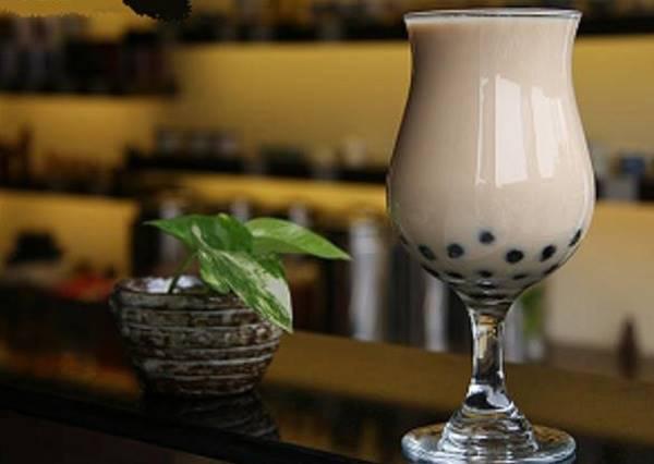 台灣國民飲料──珍珠奶茶,究竟是哪家飲料店的最好喝呢?!