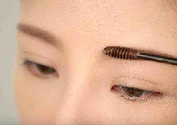 日韓彩妝大比拼!光是眉毛就能找出韓妞跟日本妞到底有什麼不一樣?