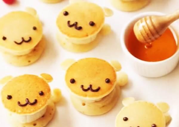 第一次做卡通甜點就上手!煎鬆餅改用罐子裝麵糊,輕鬆打造「熊熊香蕉鬆餅」