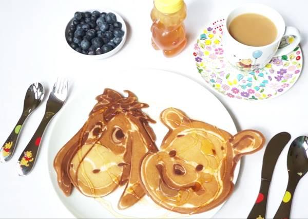 不愛吃早餐?看到這份超可愛的小熊維尼煎餅,淋上美好蜂蜜任誰都無法抗拒!