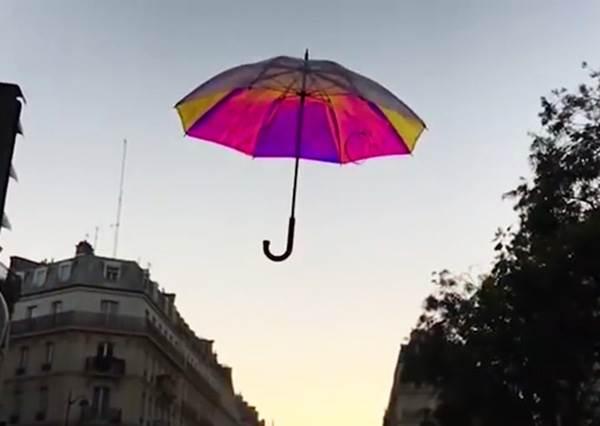 不想再搞丟就讓「傘」自己提醒你? 還會預測天氣的「智慧雨傘」,讓你從此不再忘記帶傘!