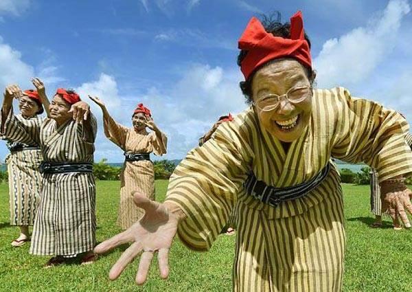 日本史上最高齡的偶像團體,號稱離天國最近的偶像組合──KBG84,出單曲啦!!