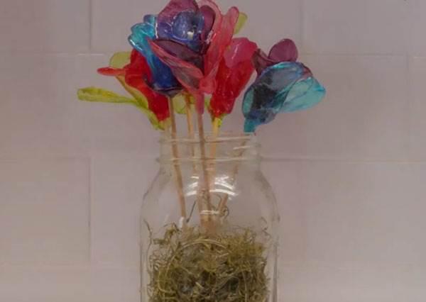 想送花其實不必花大錢!便利商店賣的水果軟糖也能變身玫瑰花?