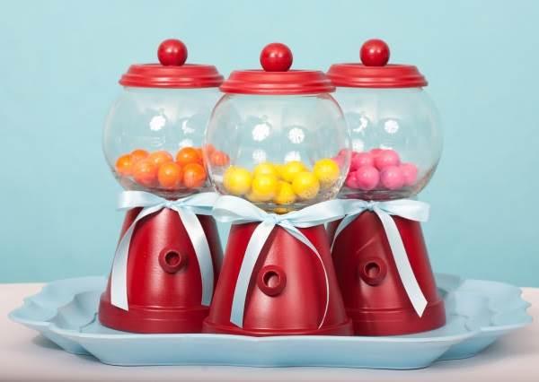 花盆不種花還能幹嘛? 那你太小看它了,花盆竟然能變「扭蛋機置物罐」,裝的不只是糖果還有童年夢想!