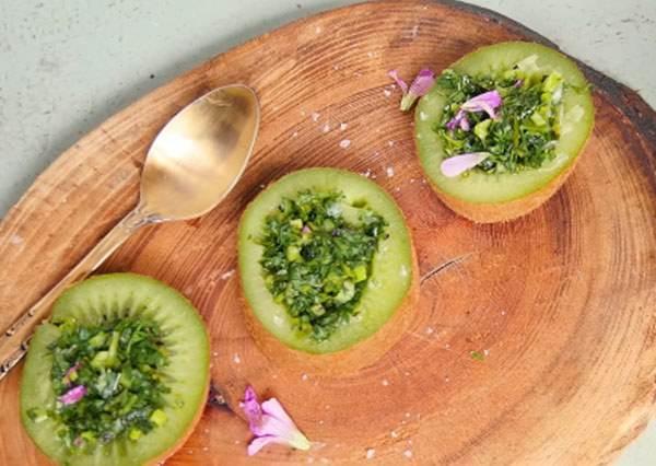 你絕對沒想過的創意吃法! 奇異果+香菜=最新「森林系」沙拉