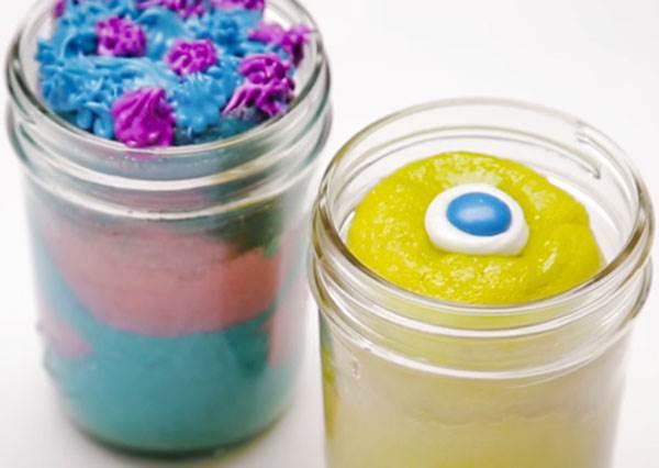 帶「罐」蛋糕出門吧!迪士尼教你怎麼把毛怪和大眼仔做成蛋糕塞進玻璃罐